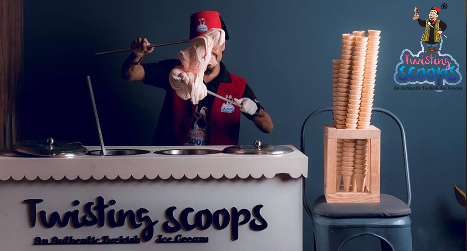 twisting scoops